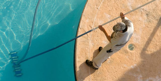 Benefits of Hiring a Pool Maintenance Company